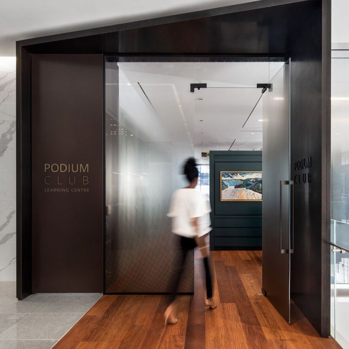 DELOITTE PODIUM CLUB